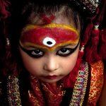 Кумари — девственница в роли богини.