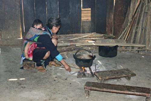 Hmong-House-inside