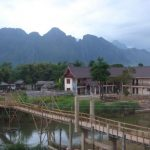 Лаос — маленькая азиатская страна непобедившего социализма. Часть вторая. Ванг Виенг. Тюбинг, каякинг и психоделякинг:)