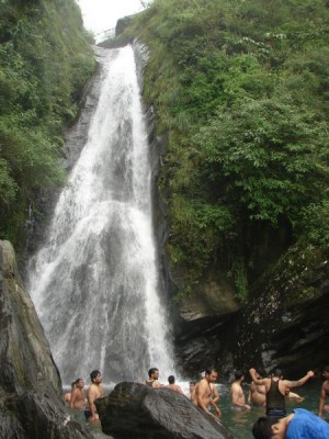 Bhagsu-Waterfall