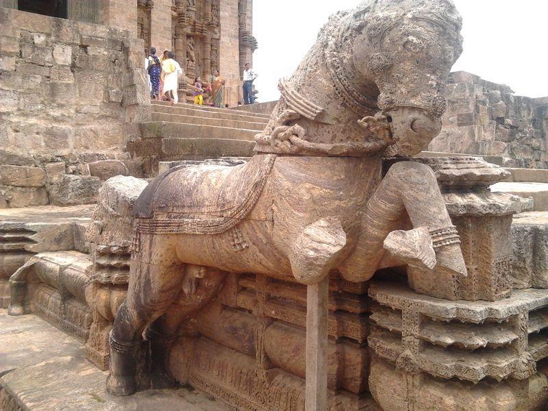 Храм солнца индия сексуальные статуи