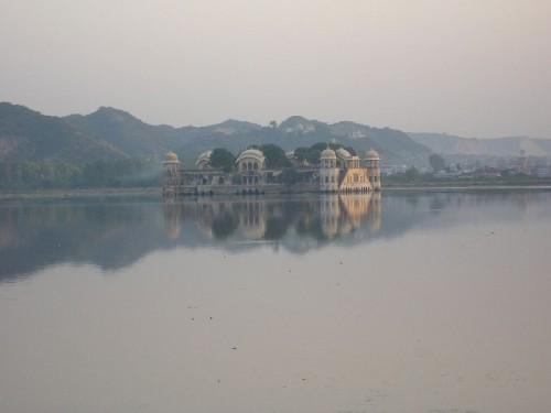 Lake-Mahal