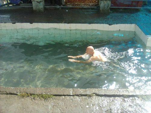 Swiming_pool_temple_Himalaya